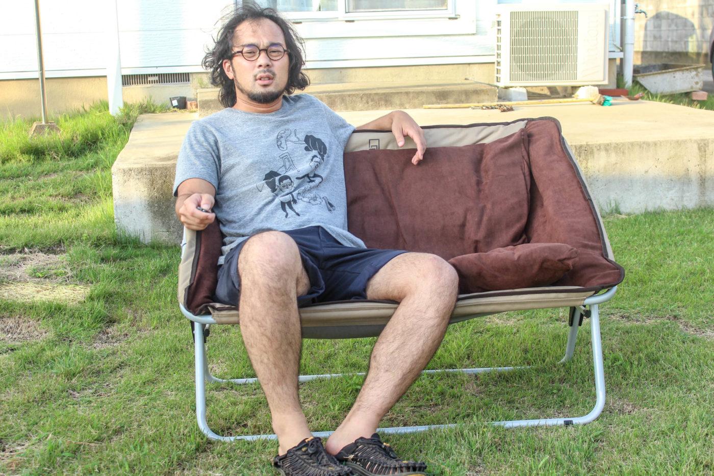 クオルツの折りたたみ式キャンピングソファー、フォールディングソファー