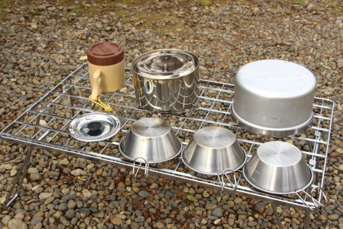 フィールドラックはダッチオーブンなど乾燥させるのに便利
