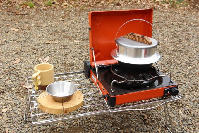 フィールドラック はテーブルや調理台として