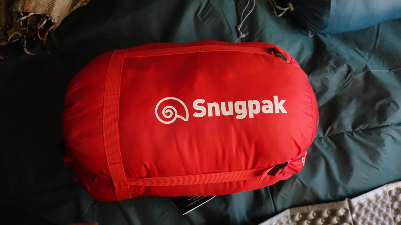 スナグパックの高コスパ寝袋スリーパーエクスペディションは思いの外収納サイズが小さい