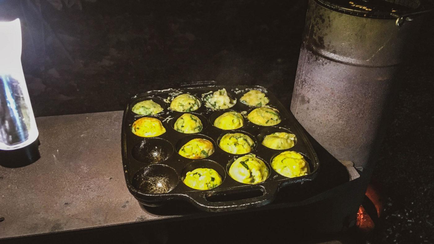 ペレットグリルヒーターきりんさんでたこ焼きを焼いている写真