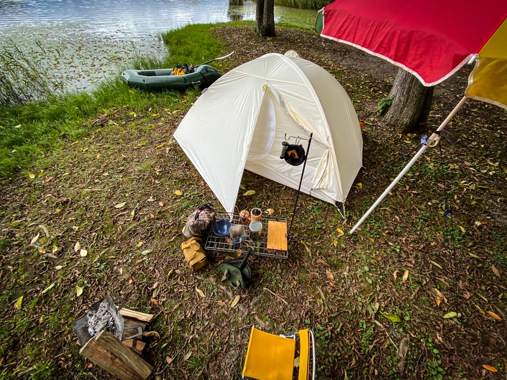 テンマクデザインおにぎりテントキャンプシーン写真