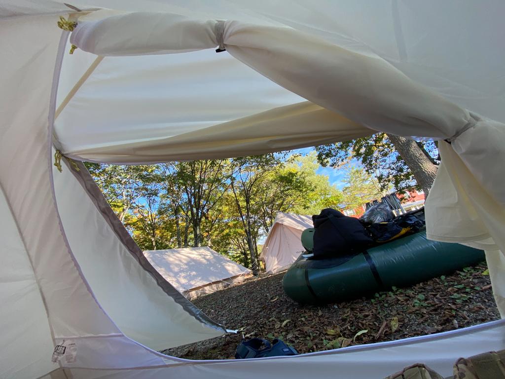 テンマクデザインおにぎりテント中から外を見たとき