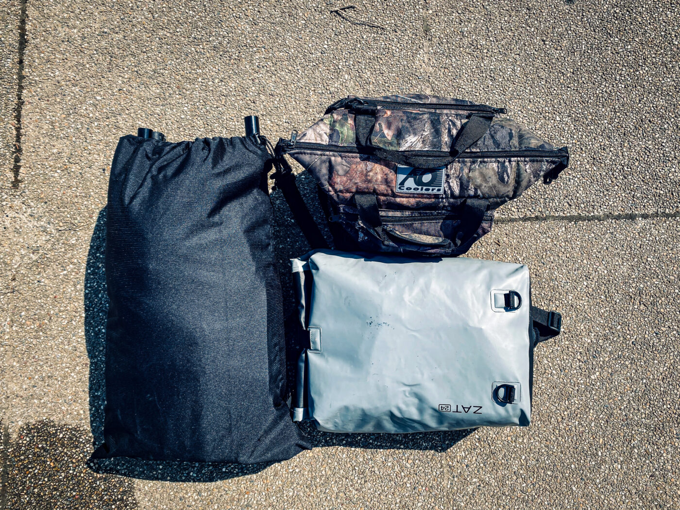 パックラフトキャンプの最低限の装備の写真